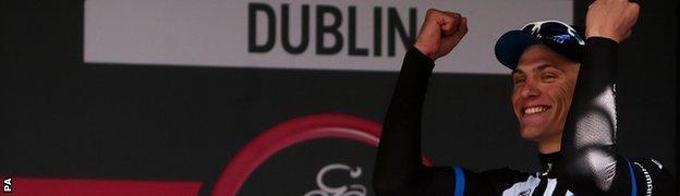 Marcel Kittel wins stage three