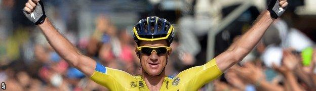 Michael Rogers wins stage 11