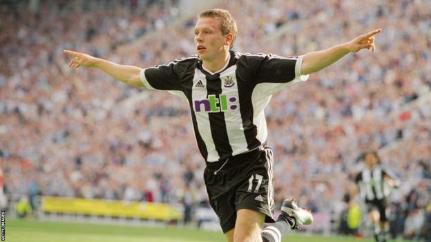 Bellamy scoring for Newcastle 2001/02 season