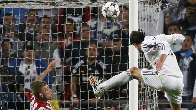 Gareth Bale puts Real 2-1 ahead in extra time with a header after Sergio Ramos had equalised in the 90th minute