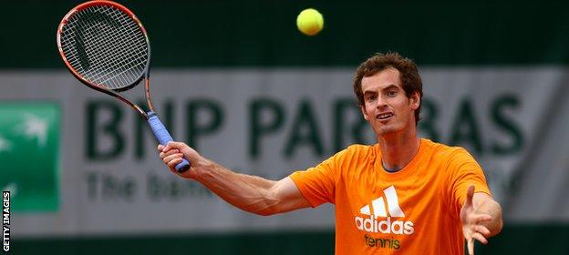 Andy Murray practices at the French Open