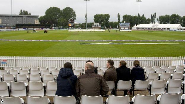 Derbyshire-Northants washed out