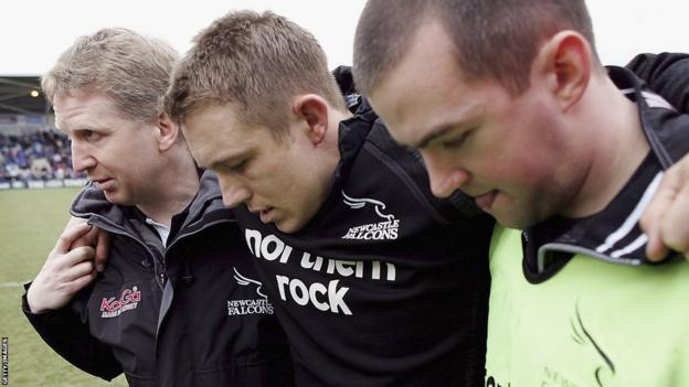 Jonny Wilkinson injured for Newcastle in 2005