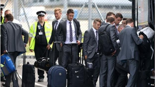 World Cup 2014: England players told to sing anthem
