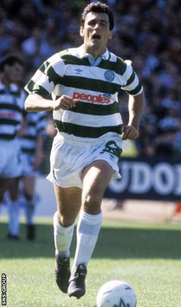 Tony Cascarino in action for Celtic