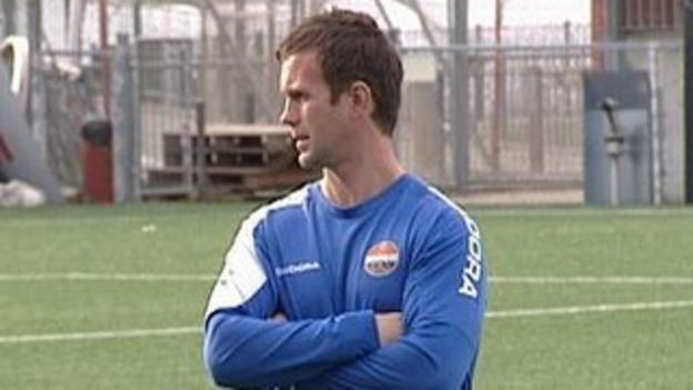 Ronny Deila on the training field