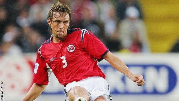 Vidar Riseth playing for Norway