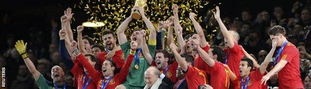 Spain celebrate with World Cup