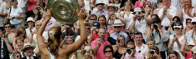 Amelie Mauresmo wins Wimbledon