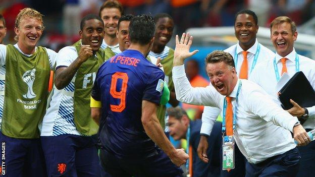 Robin van Persie and Louis van Gaal during Netherlands' victory over Spain