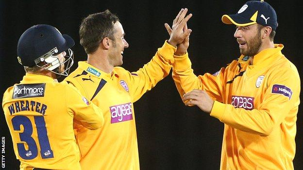 Will Smith celebrates with his Hampshire team-mates