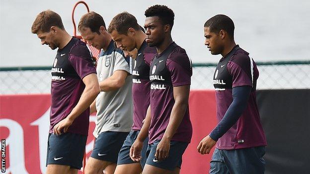 England's Steven Gerrard, Phil Jagielka, Daniel Sturridge and Glen Johnson