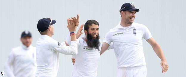 England's Moeen Ali celebrates removing Lahiru Thirimanne