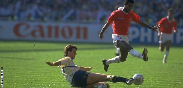 Costa Rica face Scotland in 1990
