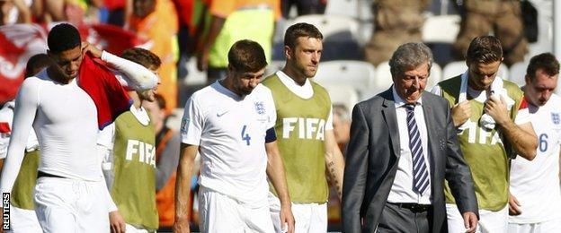 England players and coach Roy Hodgson