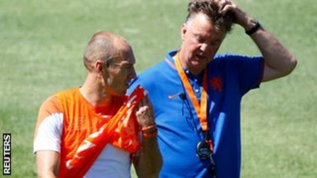 Netherlands coach Louis van Gaal and Arjen Robben