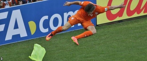 Klaas Jan Huntelaar celebrates his goal