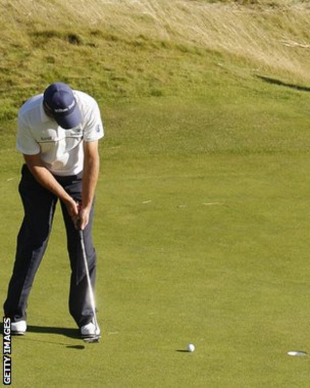 Padraig Harrington putts the 17th hole at Birkdale