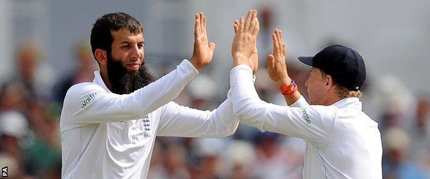 England's Moeen Ali and Joe Root