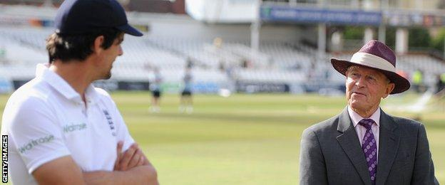 Alastair Cook talks with Geoffrey Boycott following the match