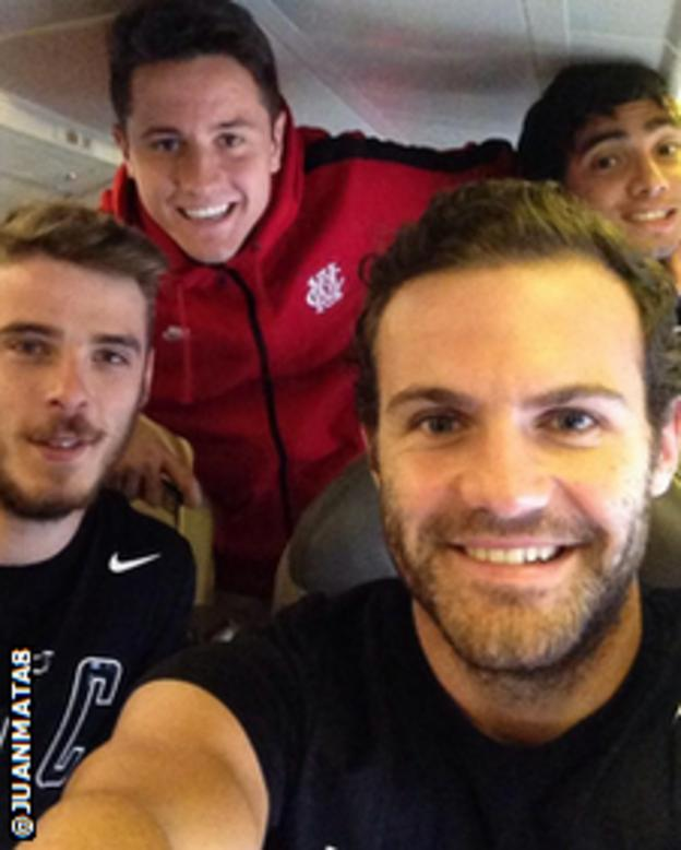 Juan Mata and Manchester United team-mates