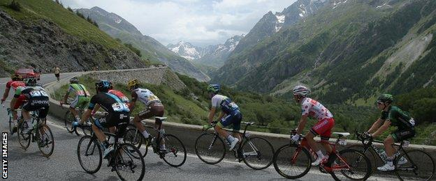 Riders ascending the Col du Lautaret