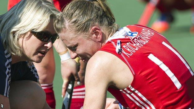 Richardson-Walsh is consoled as England slip to another World Cup defeat