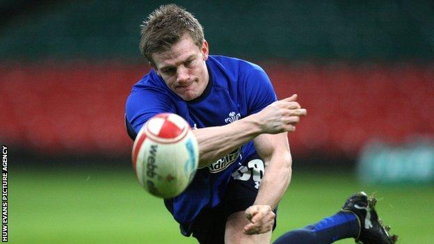 Scrum-half Dwayne Peel has been named as Bristol captain for next season