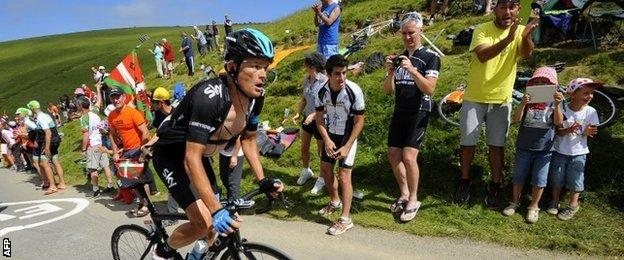 Kiryienka broke away from the leading pack but was caught with 20km remaining
