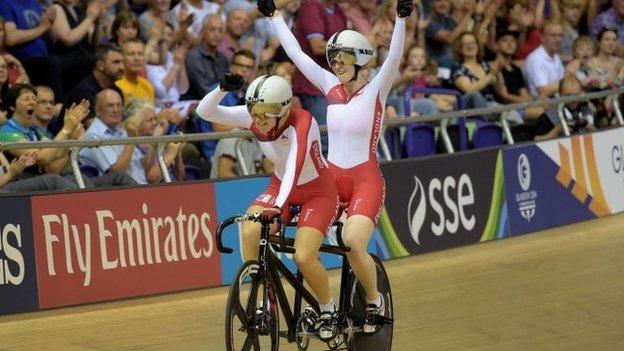Sophie Thornhill and pilot Helen Scott celebrate gold