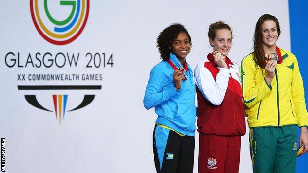 Fran Halsall became the first women to win the Commonwealth Games sprint double