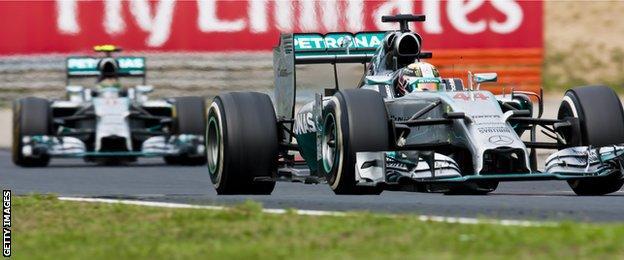 Lewish Hamilton leads Nico Rosbeg in the Hungarian Grand Prix