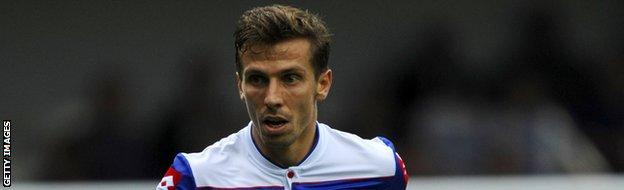 Former QPR midfielder Gary O'Neil is poised to join the Canaries