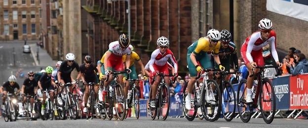 There was 4,200 feet of climbing in the women's road race, which raced around the streets of Glasgow