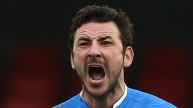 Former Linfield skipper Michael Gault has joined Portadown