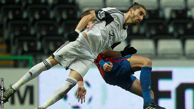 Chico Flores could continue a Spanish exodus from Swansea City after Michu left for Napoli on loan and Alejandro Pozuelo joined Rayo Vallecano