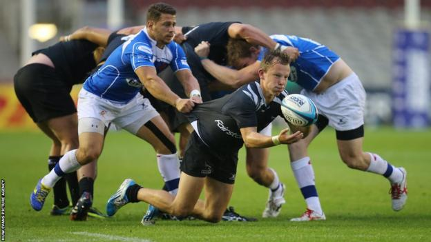 Newport Gwent Dragons also advanced to the semi-final with a 12-10 victory over Newcastle Falcons