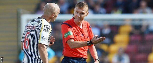 St Mirren's Jim Goodwin is sent off by referee Calum Murray
