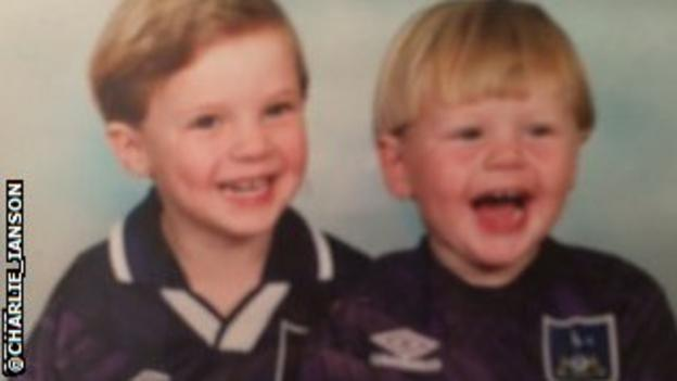 Charlie I'Anson (right) with brother Alfie in their Tottenham Hotspur shirts