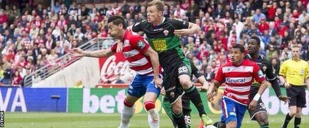 Charlie I'Anson in action for Elche against Granada