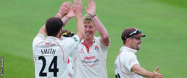 Glen Chapple celebrates a wicket