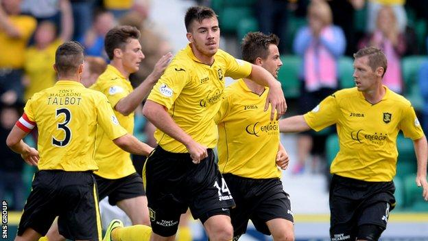 Livingston opened their Championship campaign with a 2-1 defeat at Hibernian.