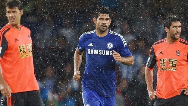 Chelsea's Diego Costa (centre)