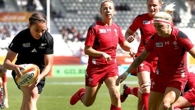 Selica Winiata of New Zealand scores against Wales Women
