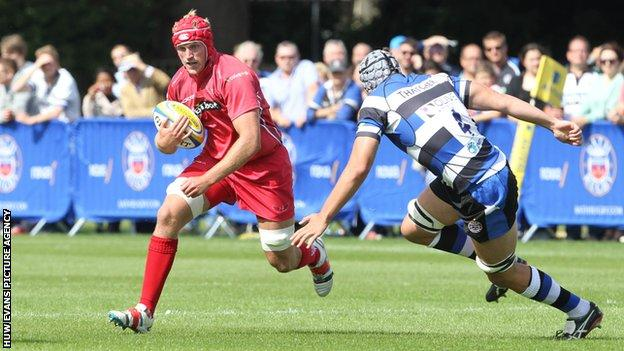 Craig Price in action for Scarlets against Bath.