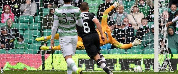 John Rankin scores for Dundee United against Celtic