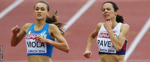 Jo Pavey and, left, Italy's Giulia Viola