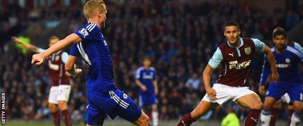 Andre Schurrle scores for Chelsea