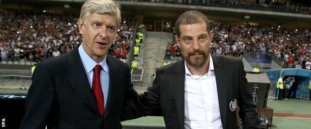 Arsenal manager Arsene Wenger and Besiktas head coach Slaven Bilic before kick-off