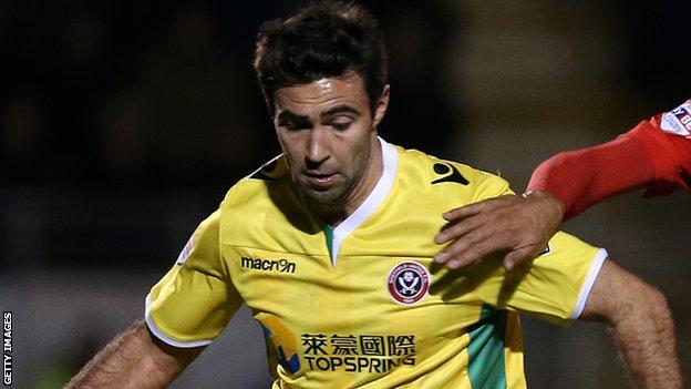 Simon Lappin in action for Sheffield United